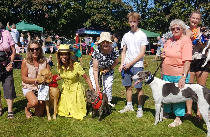 with entrants for the best male in show, won by Sophie from Sissinghurst with her dog Ozzie (kneeling to Helen's right).